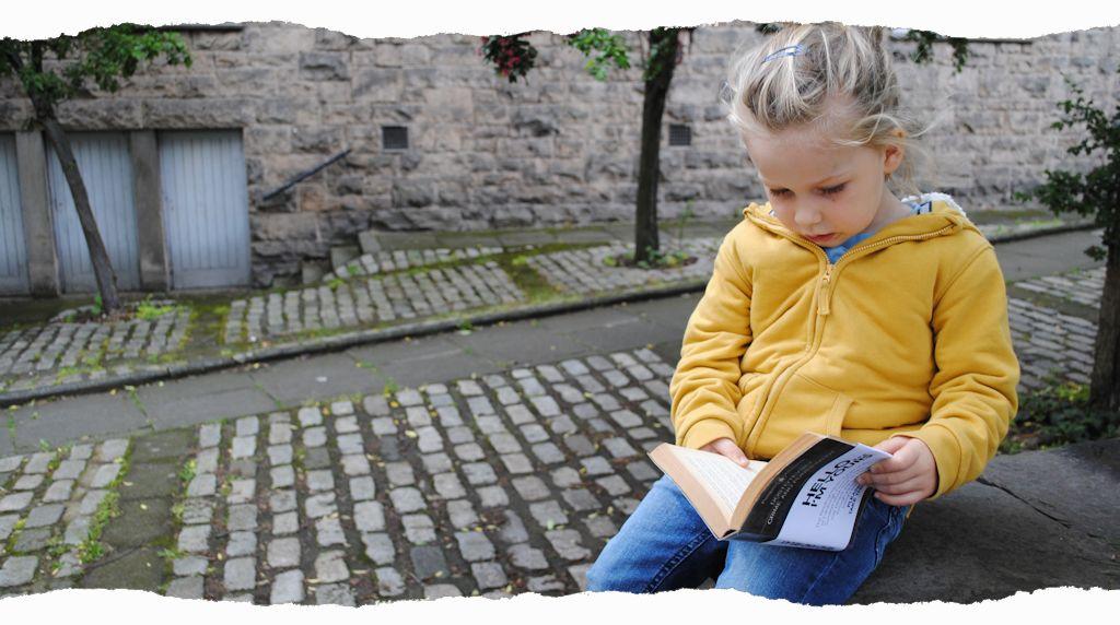 Reading Kid - Thane
